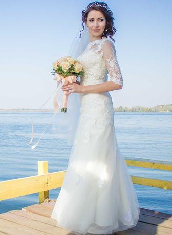 Продам свадебное платье за  3000 руб.