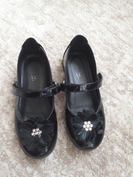 Туфлі дитячі 29 розмір.