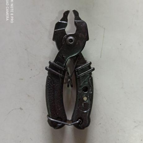 Ключ снятие и установки замка.