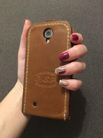Samsung I9500 Galaxy S4 Black Edition(экран требует замены)