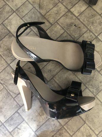Melissa buty szpilki nowe 38