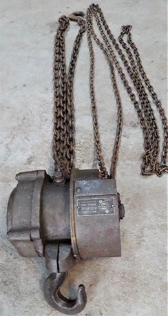 Wyciągarka łańcuchowa zabytek antyk niemiecka 1944
