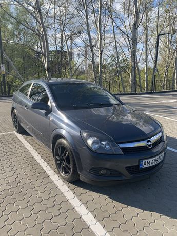 Срочно! Opel Astra h gtc 1.6 хетчбэк, бензин