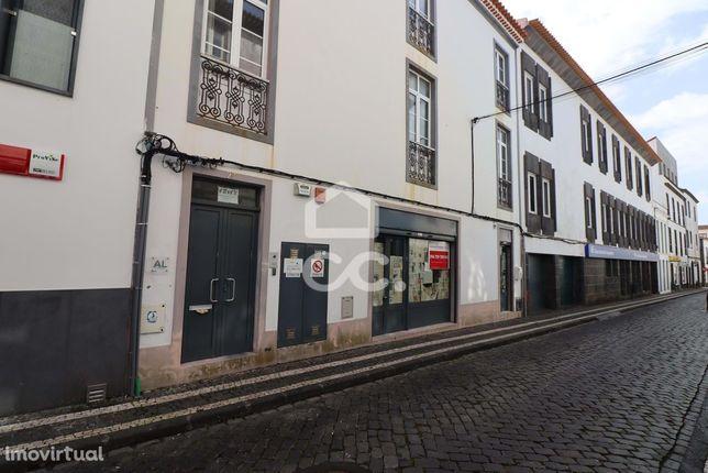 Espaço Comercial - São Sebastião - Ponta Delgada