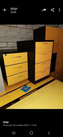 Продам мебель для офиса в черно-желтом цвете