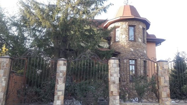Подчеркните свой статус- роскошный дом 400 м2 с мебелью в Высоком