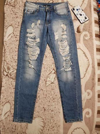 Продам джинсы фирменные