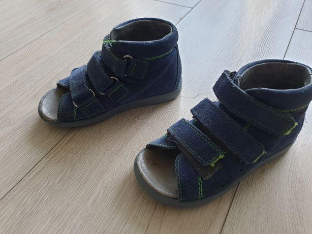 Sandałki rozmiar 26