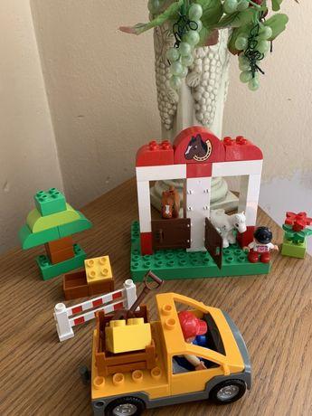 Klocki Lego duplo W stadninie konie auto budowlane