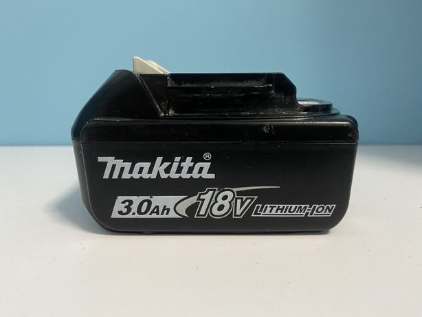 Akumulator z wskaźnikiem naładowania Li-Ion 18V 3,0Ah MAKITA BL1830B L