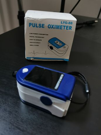 Pulsoksymetr, 2 x bateria AAA