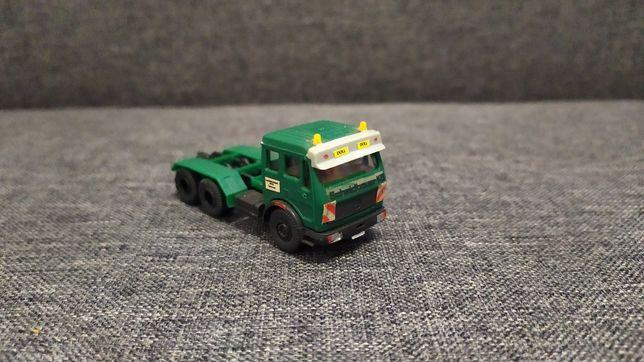 Model ciągnika siodłowego Mercedes Kibri H0/1:87