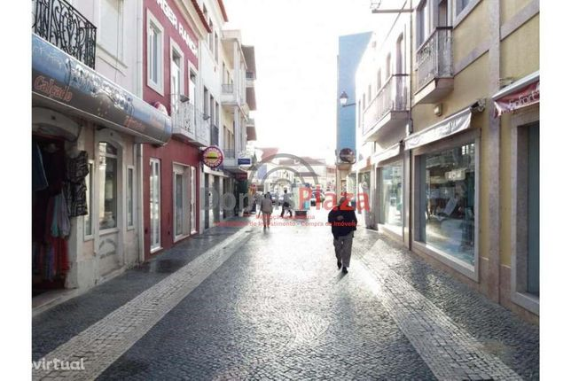 Oportunidade loja em rua principal em Vila Franca Xira