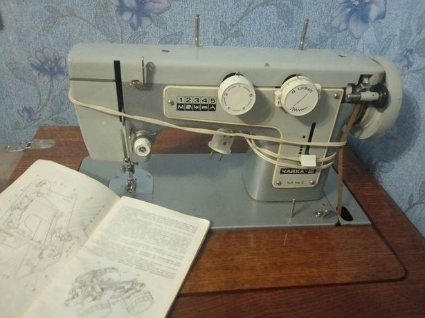 Продам швейную машинку чайка