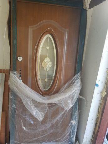 Drzwi wejściowe lewe NOWE z futryną z kluczami
