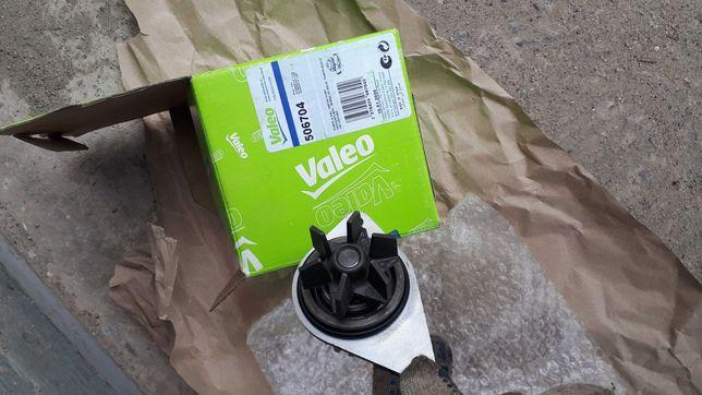 Помпа водяная (насос) охлаждения 506704 VALEO PHC