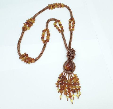 Оригинальное украшение из чешского бисера и янтаря