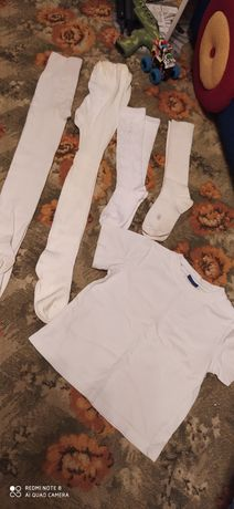 Белые колготки гольфики и футболочки на 4-5лет