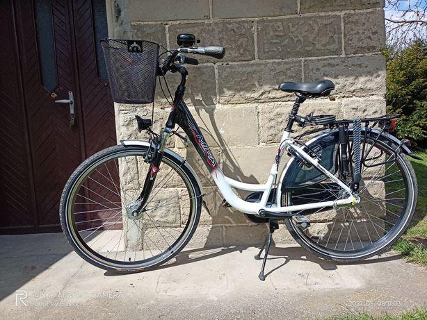 Rower damski MIFA 28' koszyczek linki bagażowe pompka dzwonek