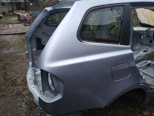 BMW X3 E83 Четверть
