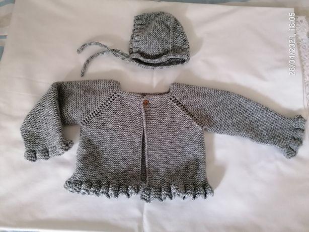 Conjunto casaco e touca em tricot