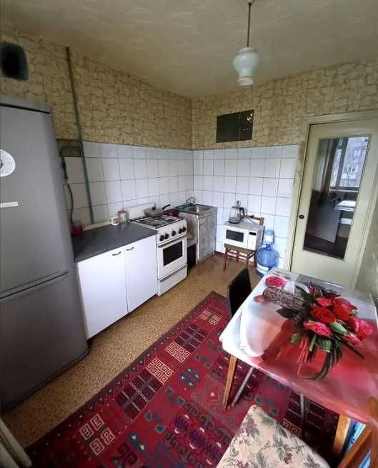 Продам 2-х комнатную квартиру по ул. С Ковалевської , 48 кв.м.