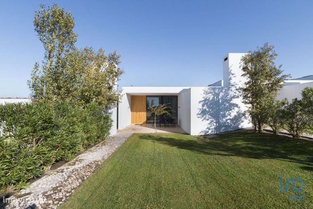 Moradia - 248 m² - T2