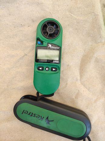 Метеостанция для измерения температуры, скорости ветра и тд.