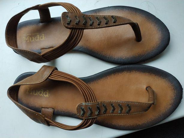 Продам сандалии женские