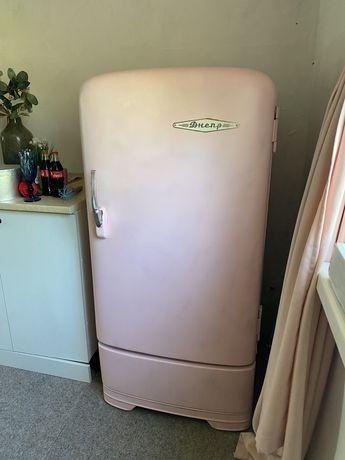Холодильник Днепр розовый
