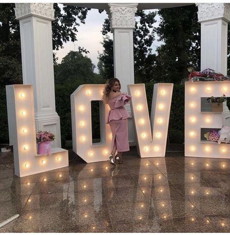 Фотозона Букви LOVE  -  продається