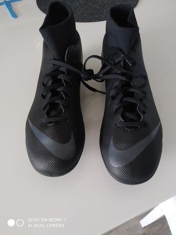 Nike 44 do gry w Pile Nowe!!!