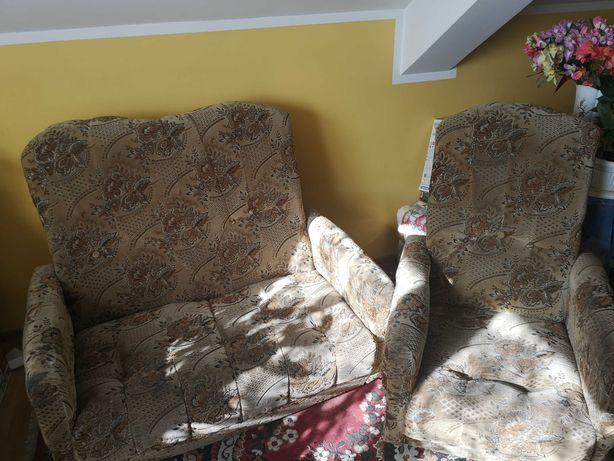 Komplet foteli w dobrym stanie