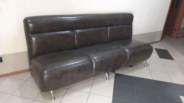 Продаю диван (дермантин)