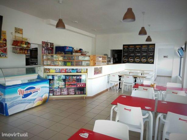 Snack Bar com 85m2 de área útil pronto a rentabilizar