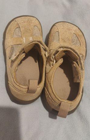 Ботиночки, туфли холодное лето, теплая очень весна.