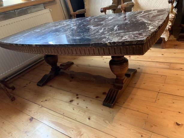 Stół z blatem marmurowym