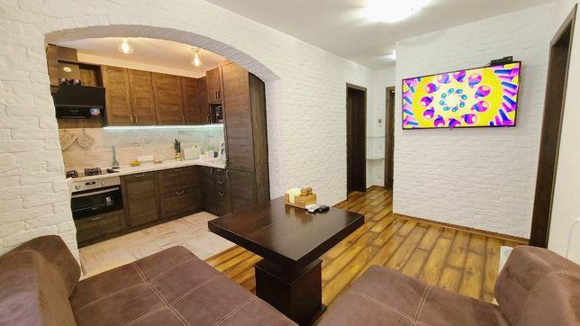 Видовая квартира с дизайнерским ремонтом, м-н Солнечный