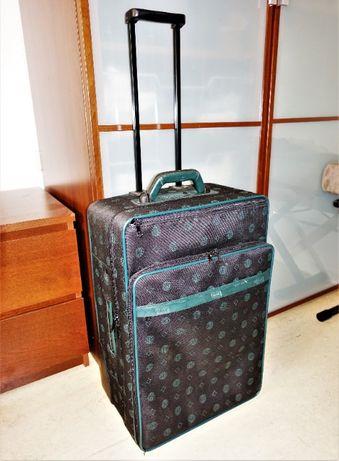 Туристический чемодан на колёсах 60х40х23 с орнанайзером