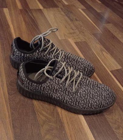 Новые классные кроссовки