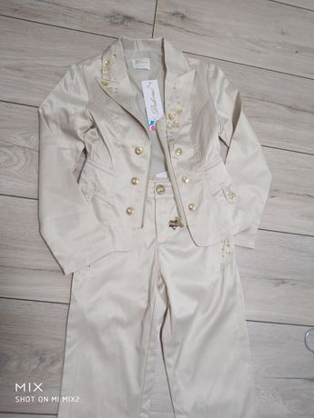 Нарядний костюм на Дівчинку7-8 років