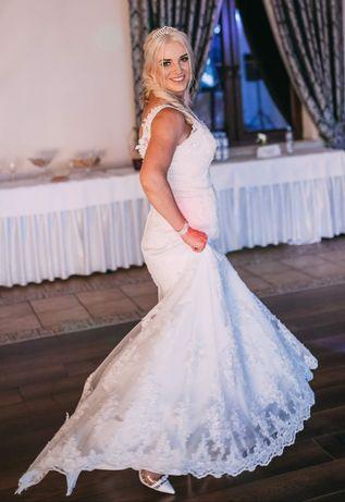 Wspaniała suknia ślubna rozmiar 38