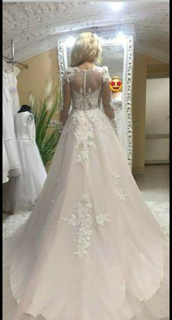Ніжне весільне плаття, стан 10 з10