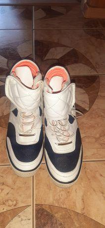 Sneakersy trampki koturny