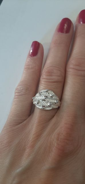 Srebrny pierścionek pr.0,925