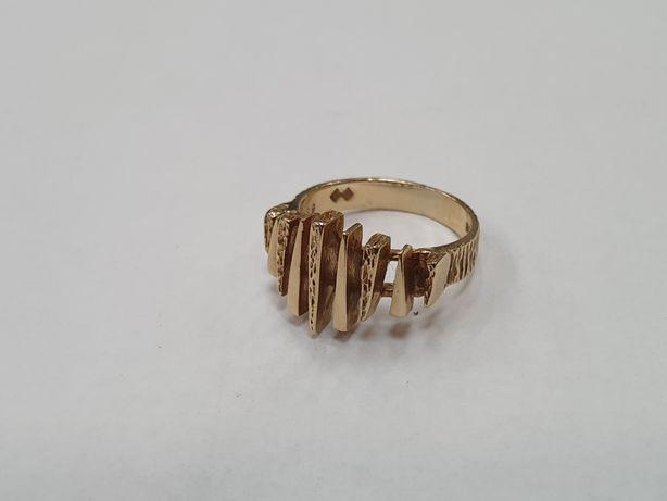 Piękny złoty pierścionek damski/ 375/ 3.99 gram/ R11/ Świętojańska 40