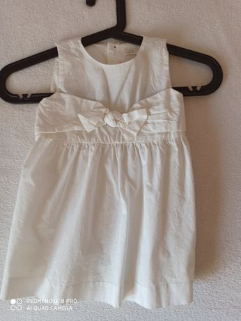 Biała urocza sukienka z Zary