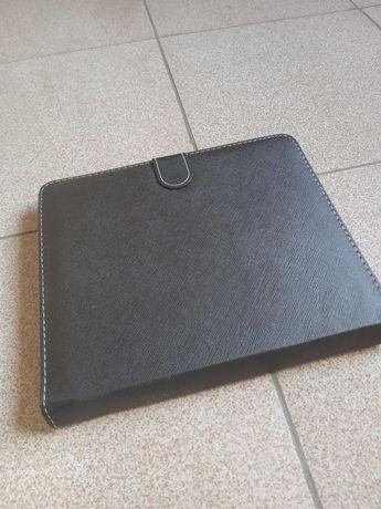 Продам универсальный чехол с клавиатурой
