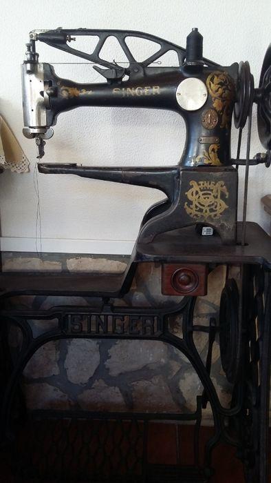 Maquina de costura antiga de sapateiro