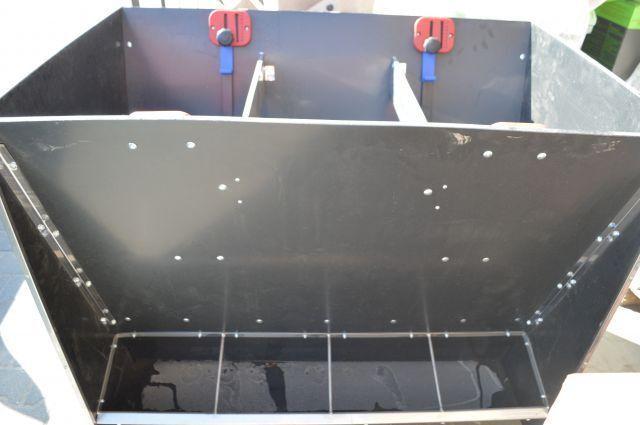 autokarmnik poczwórny dwustronny karmnik zasypowy z płyty PE